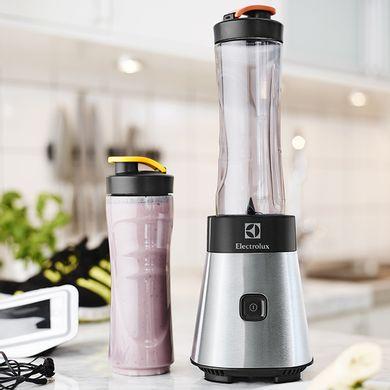 Kit-Liquidificador-Sport-Blendes-300w-jarra-de-plastico-700ml-garrafa-adicional-sport-blender-electrolux-principal